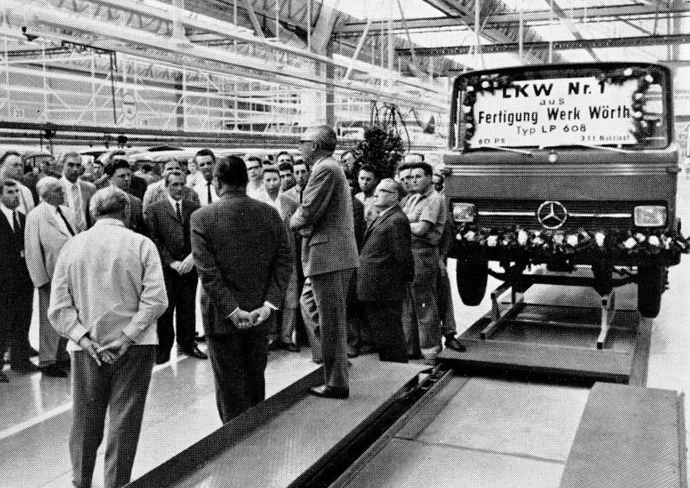 Bild Auftakt Produktion Daimler in Wörth