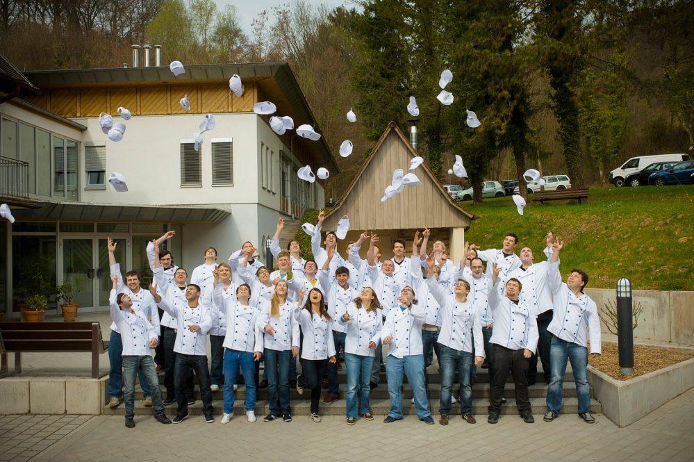 Gruppenfoto feiernde Bäckergesellen